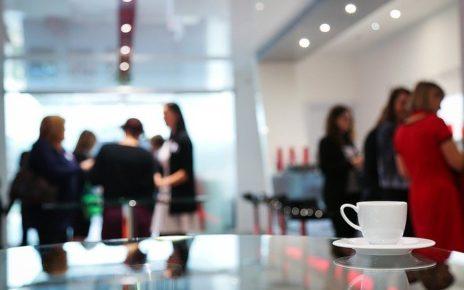 Pause-café dans un centre d'affaires